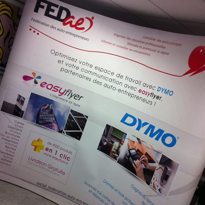 Exemple de stand parapluie FEDAE DYMO Easyflyer